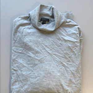 Saks fifth avenue cashmere sweater NWOT